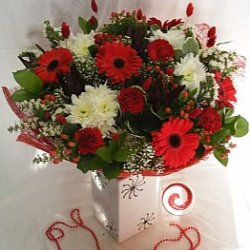 Flowers אהבה אדום לבן