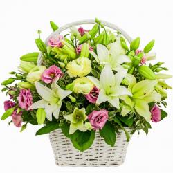 סידור פרחים בסל מרגש