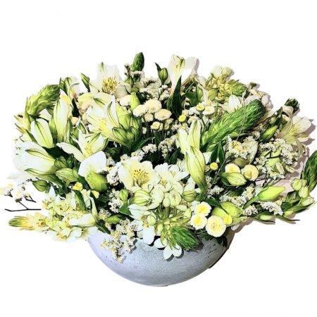 סידור פרחים שושן צחור