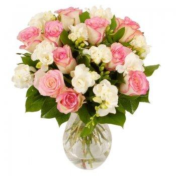 זר פרחים מתיקות ורודה
